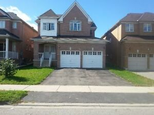 4br Single House in Thornhill (HW7/Dufferin)
