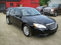 2011 Chrysler 200 LX 4dr AUTO LOW LOW KMS