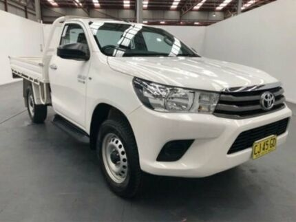 2016 Toyota Hilux GUN126R SR (4x4) White 6 Speed Manual Cab Chassis Fyshwick South Canberra Preview
