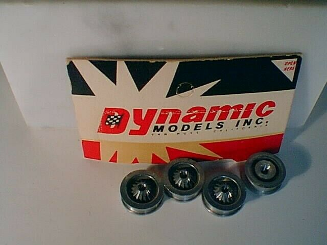 "1/32 Dynamic #604 ""SPORT"" polished MAG slot car wheels SET OF 4 NOS LOOSE EPRY"