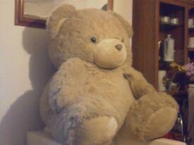 GIANT EXTRA LARGE 4FT TEDDY BEAR