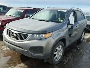PARTING OUT 2012 KIA SORENTO London Ontario image 2