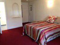 Double Room with En-Suite - Renfrew Street - fully inclusive rent