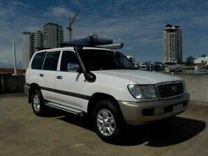 2004 Toyota Landcruiser UZJ100R GXL White 5 Speed Manual Wagon Southport Gold Coast City Preview