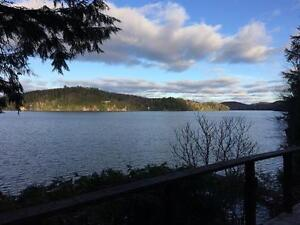Waterfront on Lac des Trois Montagnes, 15 min from Tremblant