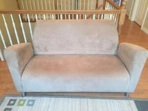 Modern/Contemporary Loveseat & Chair