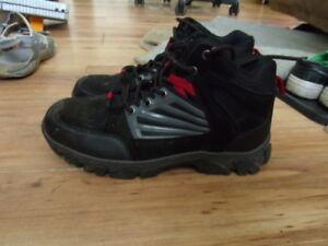 For sale men's Mountain Ridge  hikers size 9
