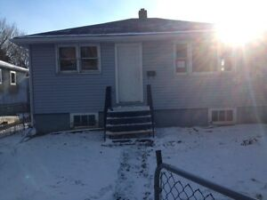 House on 34ft x125 lot rosemont  $110,000