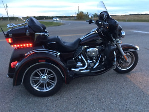 2011 Harley Davidson Ultra Classic Trike Over $10,000 of Add-ons