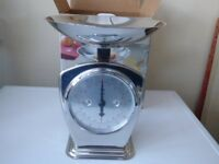 Kitchen Scales, Chrome Effect