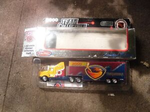 NHL Atlanta Thrashers 2000 Team Collectible Truck Cambridge Kitchener Area image 1