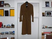#13 MANTEAU TRENCH POUR HOMME 42R HARRY ROSEN $50.