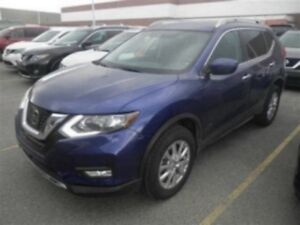 2017 Nissan Rogue SV | AWD | B-UP CAM | *Best Price*