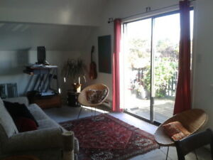 Room for Rent/ Shared Living - Waterfront, $700+ utils
