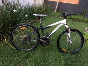 Giant bike upland SE size 14  - siezed crank Newstead Brisbane North East Preview