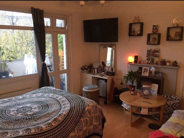 Short-term double room in Manor House (December - March)