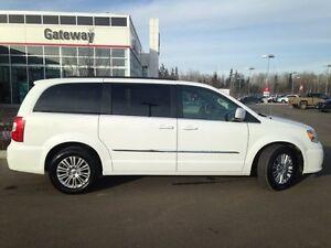 2015 Chrysler Town &Country-L Touring Passenger Van Edmonton Edmonton Area image 8