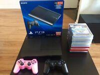 Dernière version de PS3 en très bon état avec 15 jeux, négo.