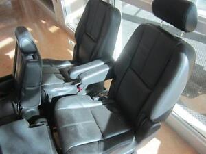 TAHOE FRONT/MID/REAR LEATHER SEATS 07-14 Peterborough Peterborough Area image 8