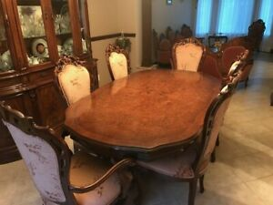 Italian Lacquer Dining Room with buffet   6 chairs and extension