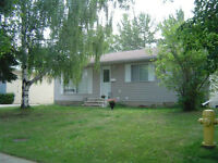 Spacious Pet Friendly,3 Bedrooms with Garage in St Albert