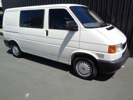 2000 Volkswagen Transporter T4 Syncro SWB (4x4) White 5 Speed Manual 4x4 Van