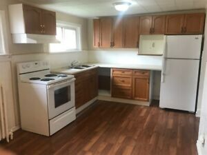 **ALL UTILITIES INCLUDED** Downtown Thorold Apartment!!