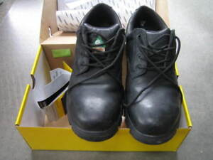 Safety Shoes Terra # 45 - New, Wide