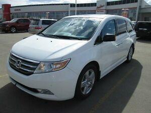2011 Honda Odyssey TOURING, DVD LEATHER HEATED SEATS
