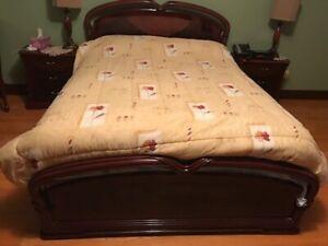 Mobilier de chambre à coucher lacqué Acajou