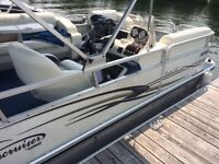 Lowe Pontoon 180 ready for the summer fun