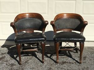 Antique Juror's chairs, oak & leather, from Manitoba courtroom