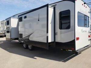 2019 Chaparral 360IBL Great Family Plan!!