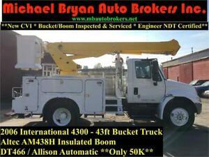 2006 INTERNATIONAL 4300 - 43FT BUCKET TRUCK W/MATERIAL HANDLER