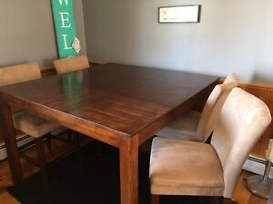 Pub Style Kitchen Table (6 chairs)