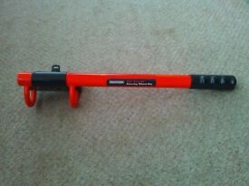 Halfords High Security Steering Wheel Bar / lock / immobiliser