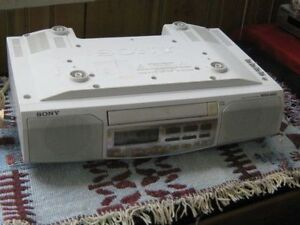 2--SONY CLOCK RADIO FM &AM DISK PLAY UNDER THE COUNTER