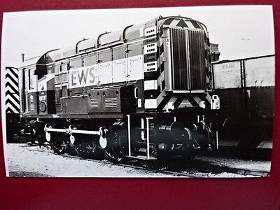 PHOTO  CLASS 08 SHUNTER 08597 AT DONCASTER DEPOT EWS LIVERY 21/4/02