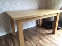 100% SOLID OAK DINING TABLE - 140 X 90cm