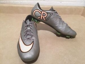 Men's Nike Mercurial CR7 Outdoor Soccer Cleats Size 9.5 London Ontario image 3