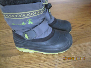 Kamik winter boots - size 9