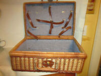 Square Wicker?/Rattan? Basket Suitcase - Storage Box