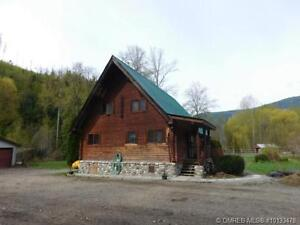 Log home with secondary guest home!!