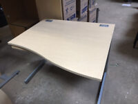 1100mm Maple Wave Desk