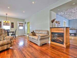 huge 16 room home 1 hour from Ottawa