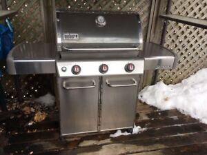 WEBER BBQ  top of the line w/1cm stainless steel grill