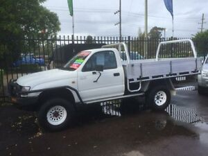 2002 Toyota Hilux VZN167R (4x4) White 5 Speed Manual Cab Chassis Edgeworth Lake Macquarie Area Preview