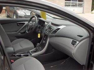 2014 Hyundai Elantra GL Sedan Price Drop To sell !! London Ontario image 12