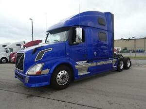 2013 Volvo VNL64T-780 Loaded and Clean!! Warranty