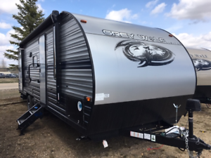 2019 GREY WOLF 23DBH Double Bunk Trailer